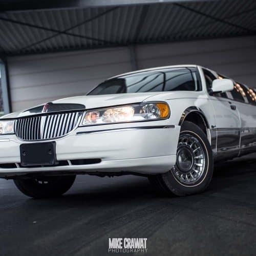Lincoln_limousine